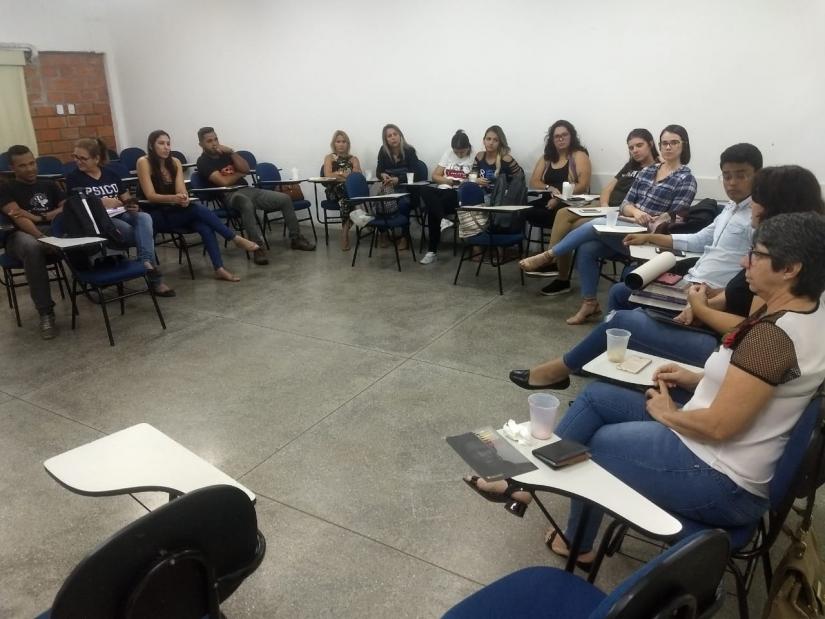 Acadêmicos de Psicologia do UNIVAG recebem visita do CRP 18-MT