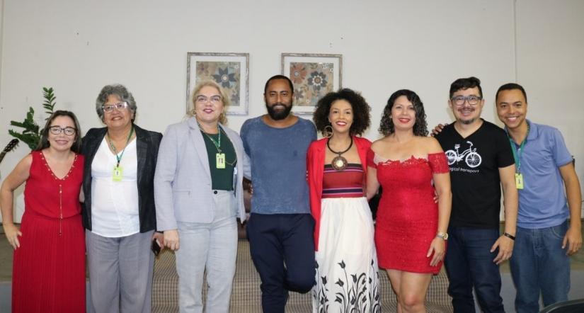 Assessora do CREPOP participa de mesa redonda sobre Psicologia e relações étnico-raciais